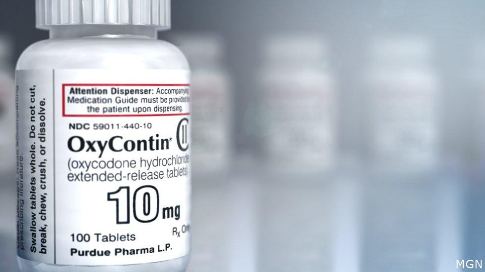 Acuerdo con fabricante de OxyContin enfurece a familiares
